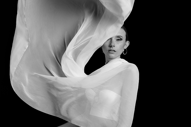 Marisa Lia Lana Wind Josephine Winter Shooting Makeup Editorial Avantgarde Makeup Make-up Artist black white